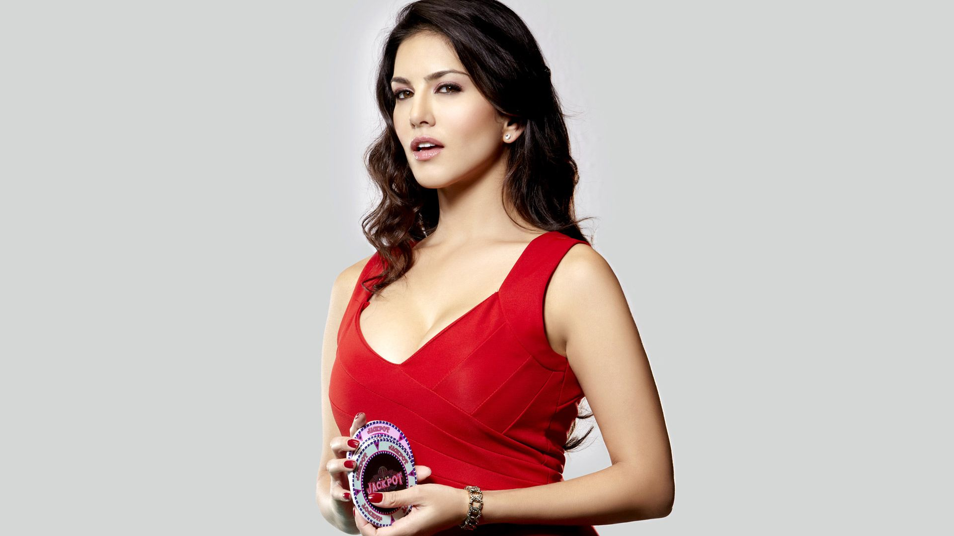 Sunny Leone HD wallpaper for download in Laptop and desktop