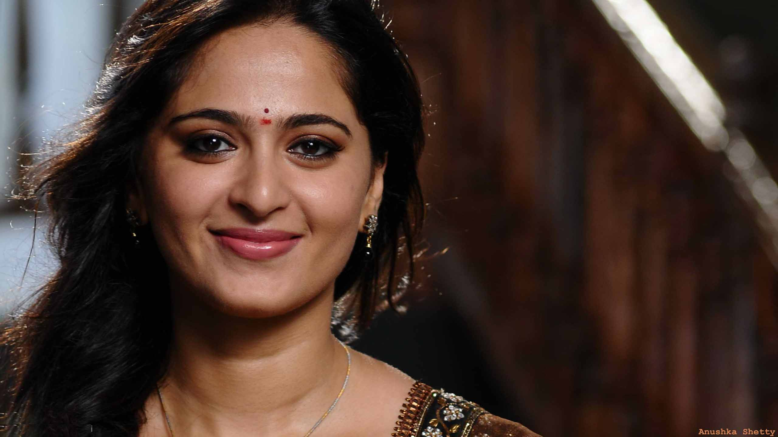 Best Anushka Setty HD wallpaper for download