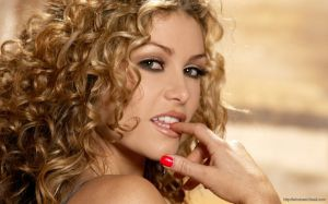 Heather Vandeven Wallpaper