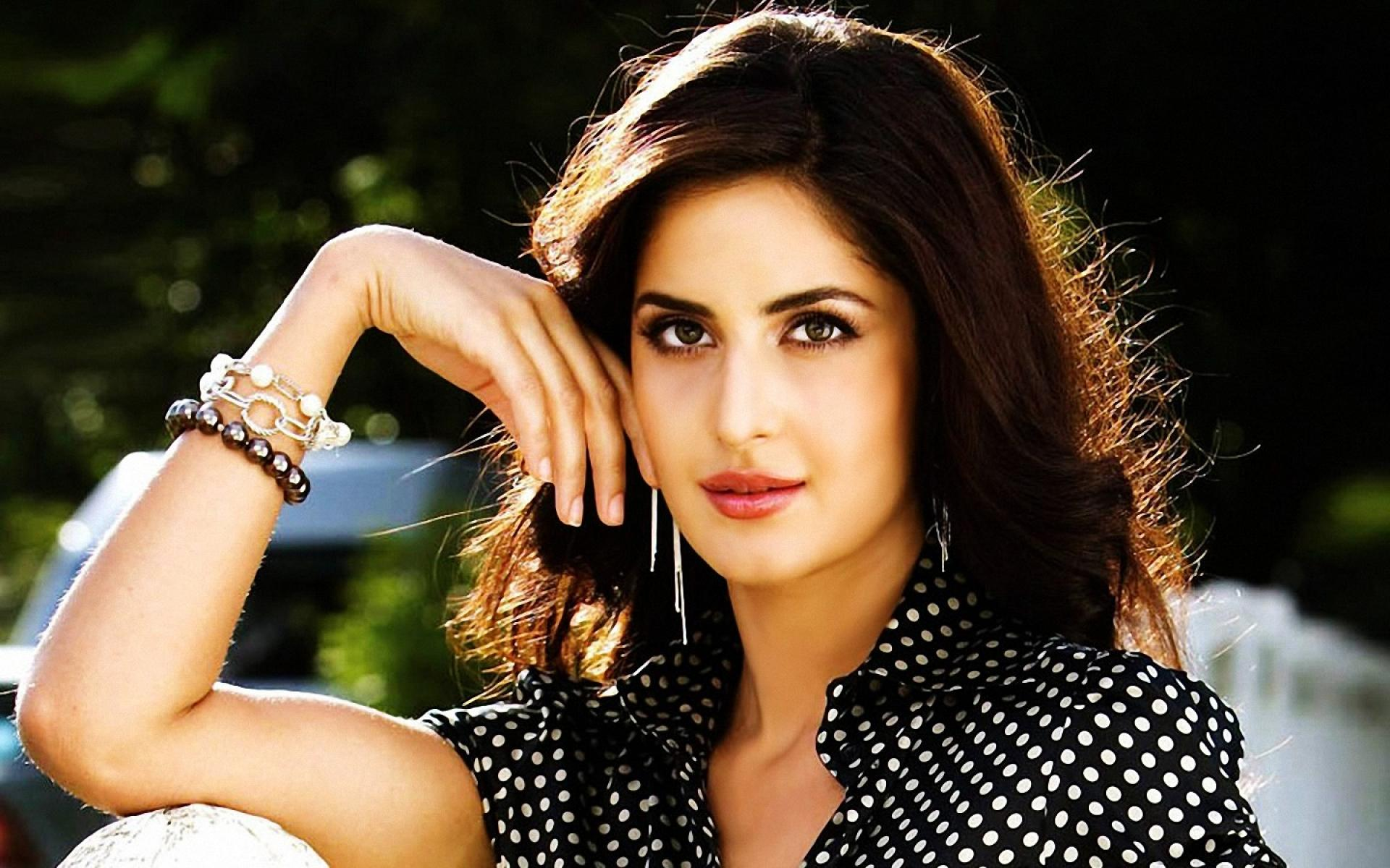 katrina-kaif-free-wallpaper