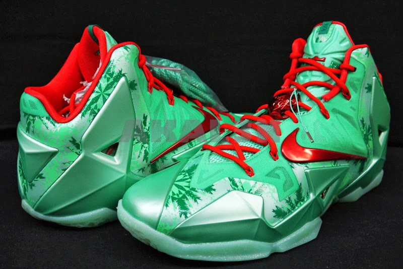 Lebron james shoes 11 christmas