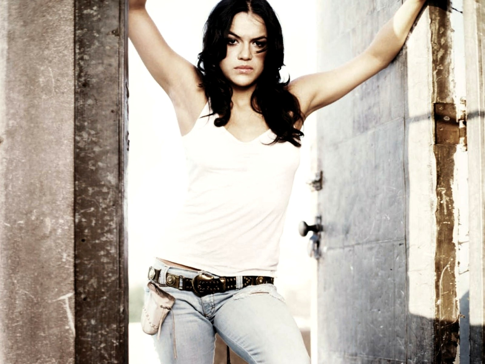 michelle-rodriguez-wallpaper