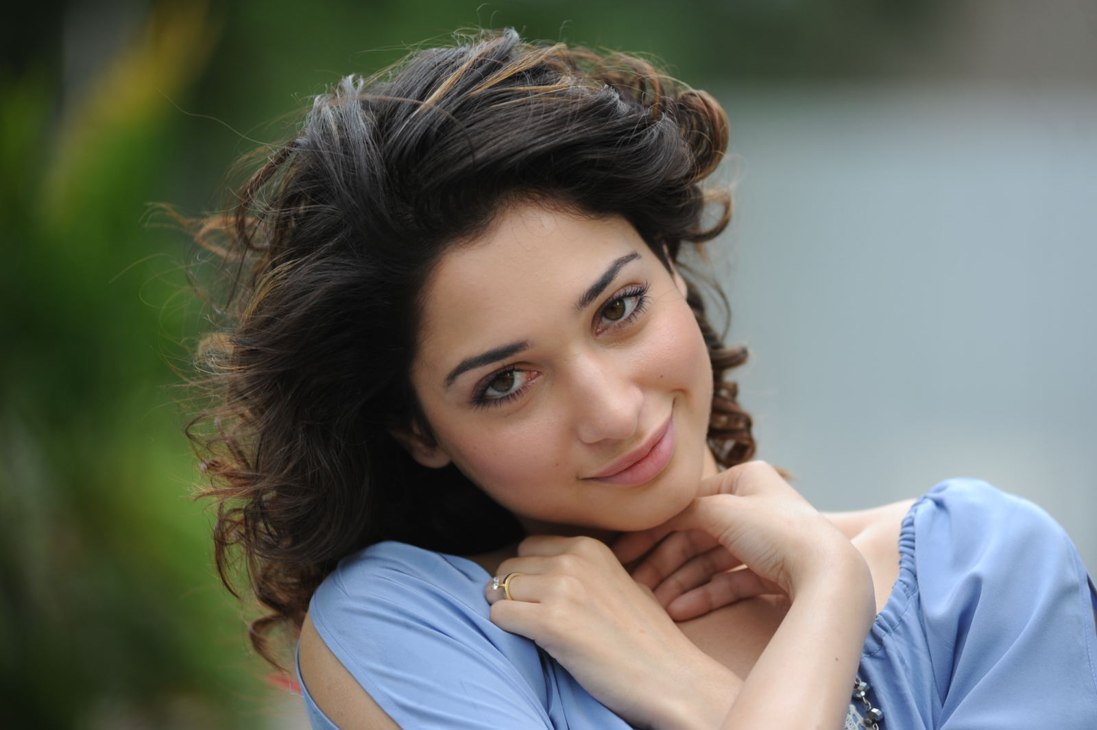 Widescreen Wallpapers Of Film Actress Nice Pictures