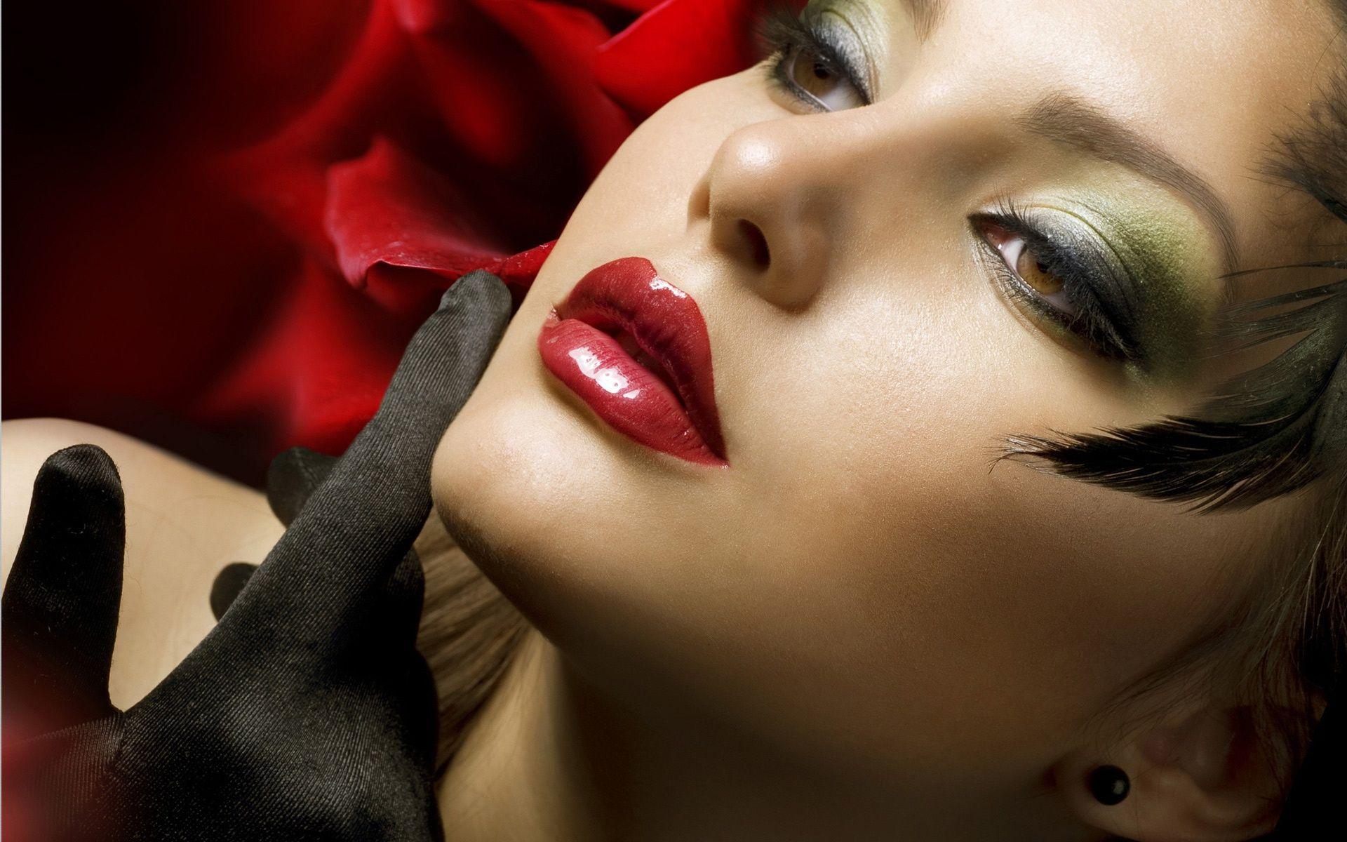 High Definition Girl Wallpaper - HDQ Cover Photos