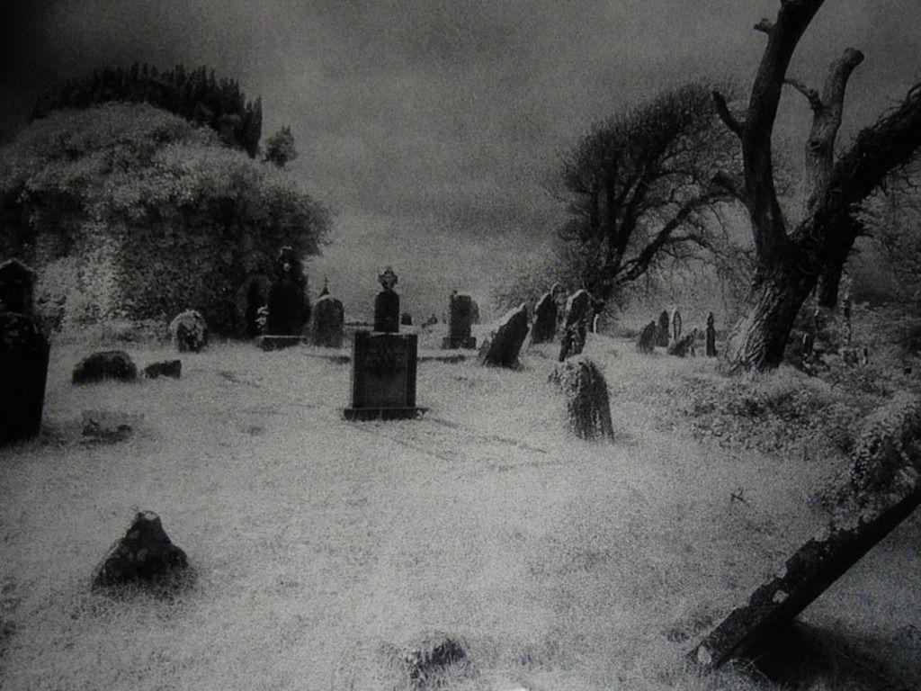 Graveyard Photo Free Download By Anargyros Garrit