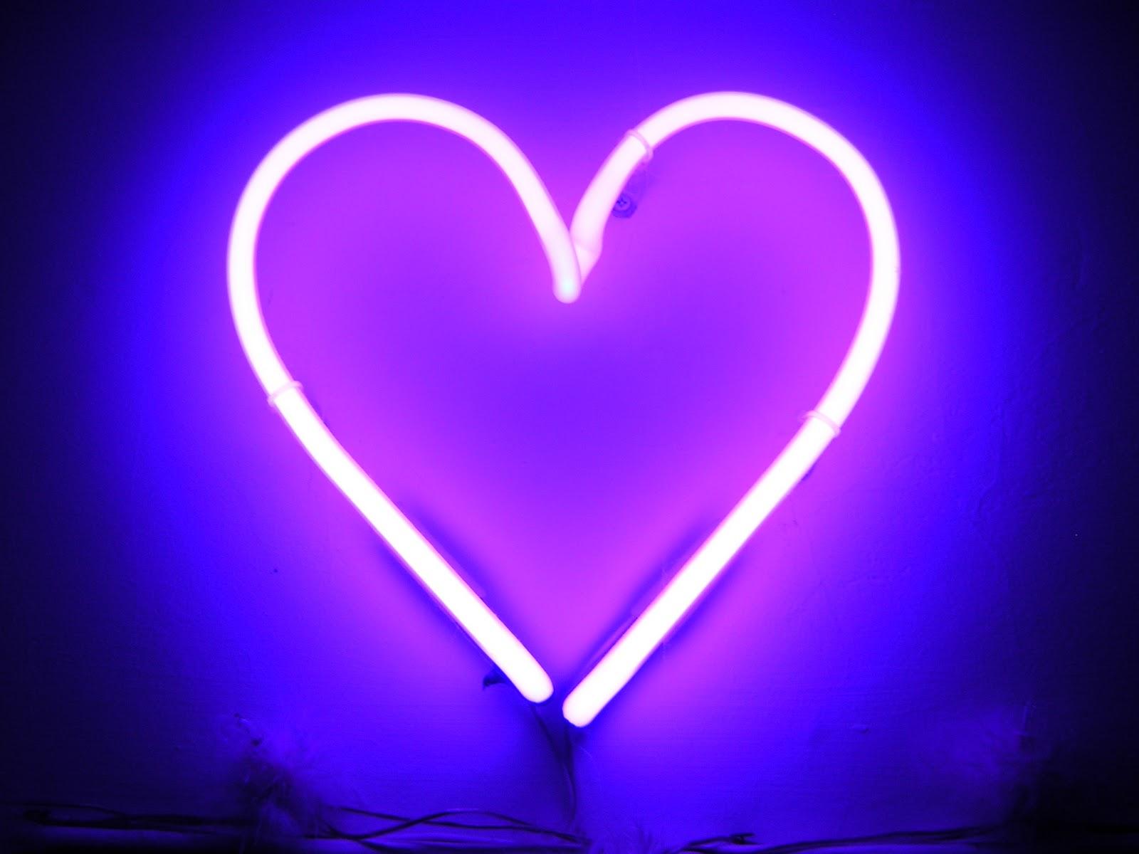 FHDQ Neon Heart By Bertalan Beverstock