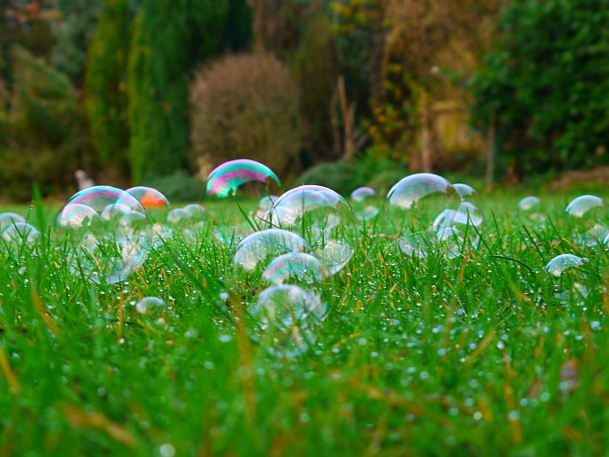 soap-bubble-wallpaper