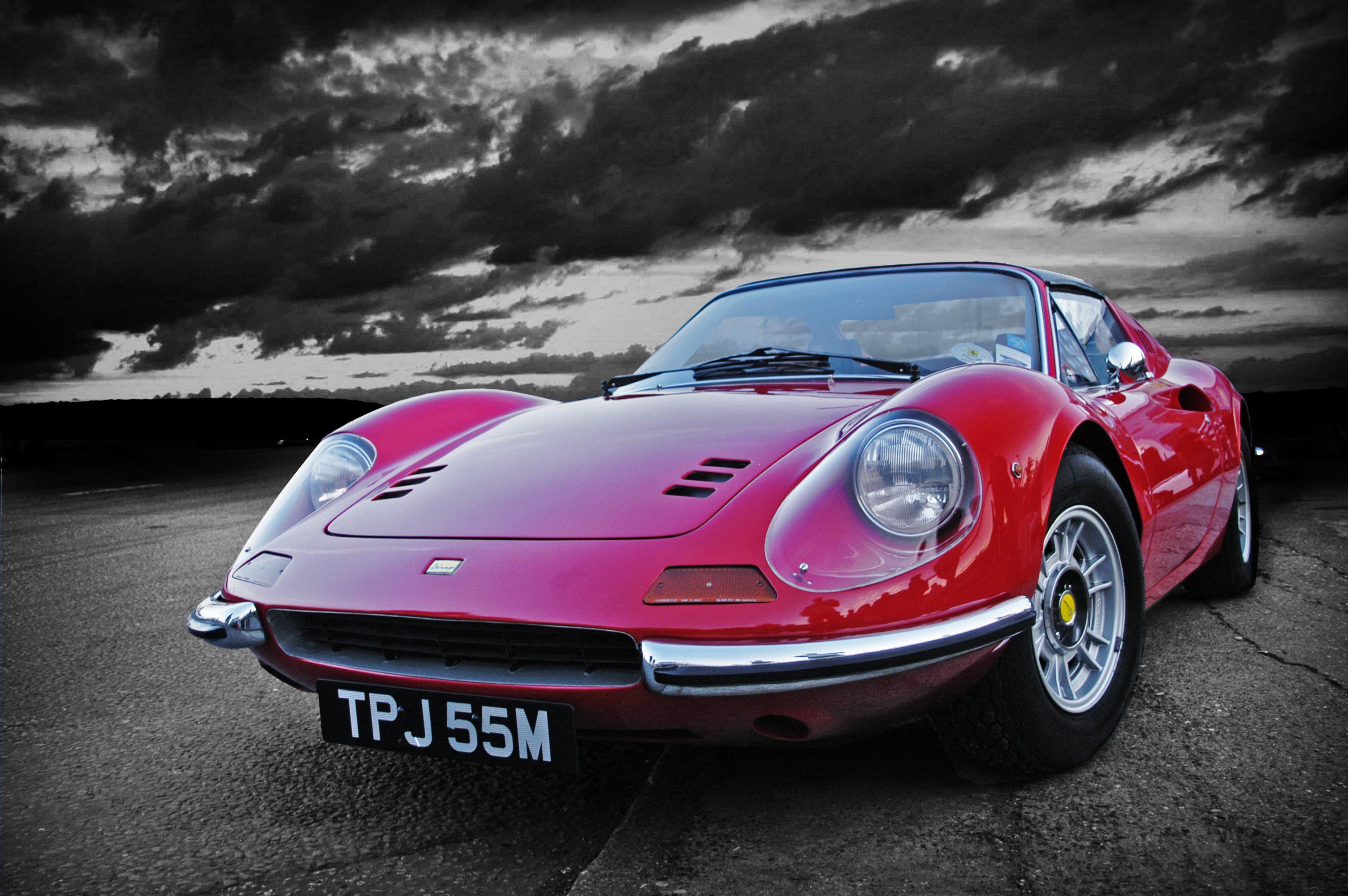 Free Download Creative Vintage Ferrari Images